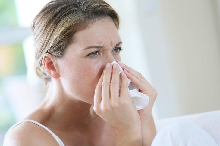Оксолиновая мазь лечит вирусные конъюктивиты, риниты, герпес, псориаз