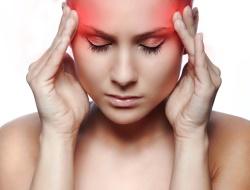 У девушки приступ мигрени