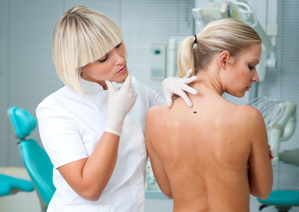 Препарат наносят на кожу и слизистые