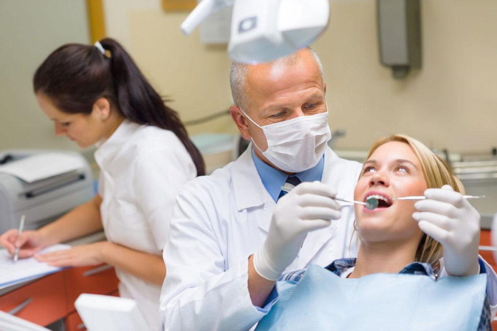 Длительность терапии определяет зубной врач
