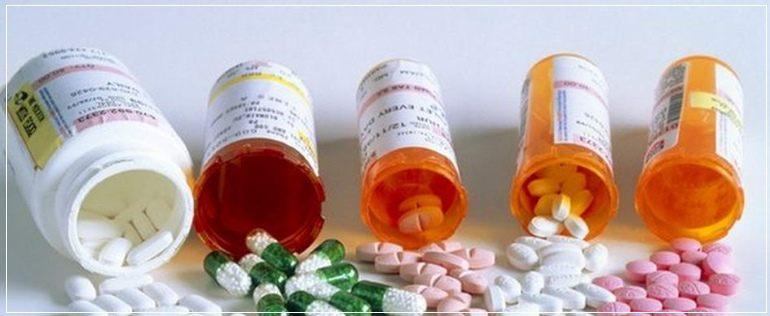 Применять эритромициновую мазь с другими лекарствами следует предельно осторожно