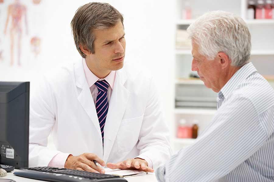 Проктологи назначают препарат при первых симптомах болезни