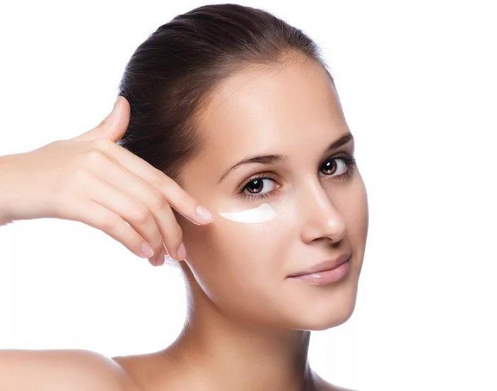 Препарат применяют для устранения синяков в области глаз