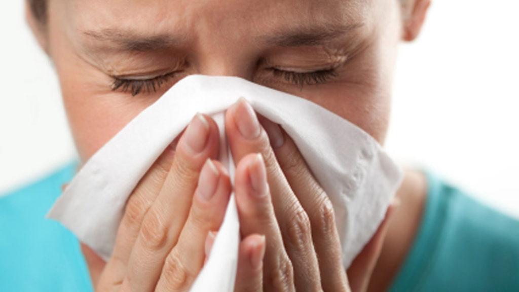 Мазь обладает обезболивающим и противовоспалительным эффектом