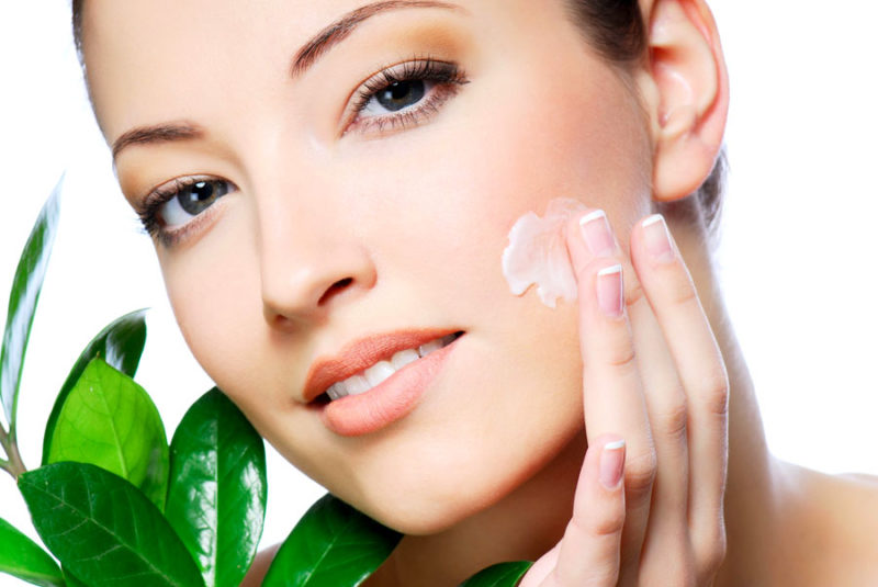 Мазь применяют для заживления микротравм кожи
