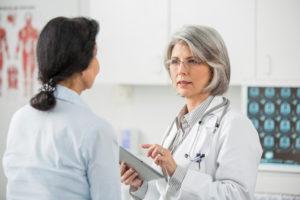 Мазь применяют после консультации врача