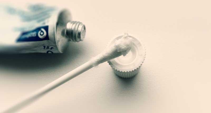 Овестин - белый крем специфического запаха