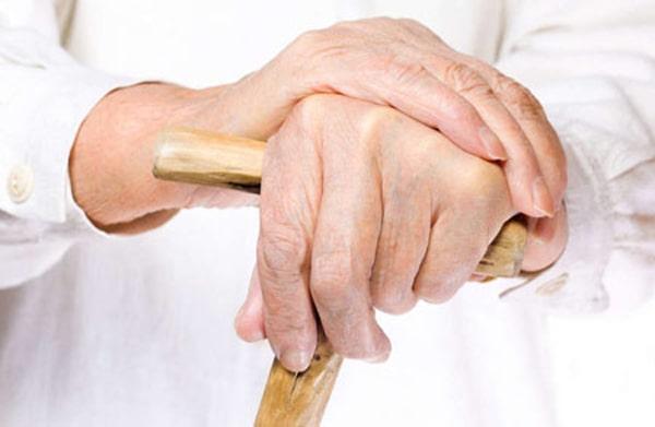 Мази, направленные на лечение артроза у людей в возрасте