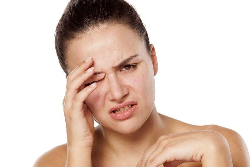 Осторожно: при попадании в глаза Эфкамон может вызвать раздражение