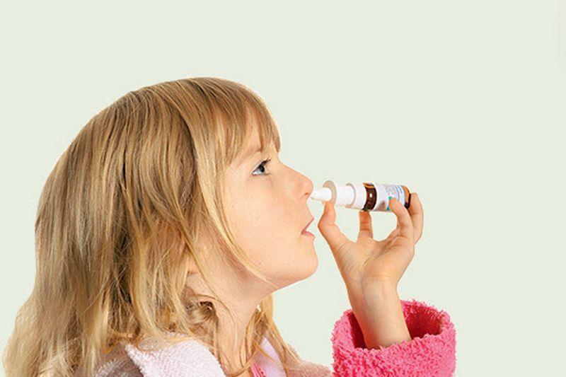 Спрей можно применять для лечения детей старше 6 лет