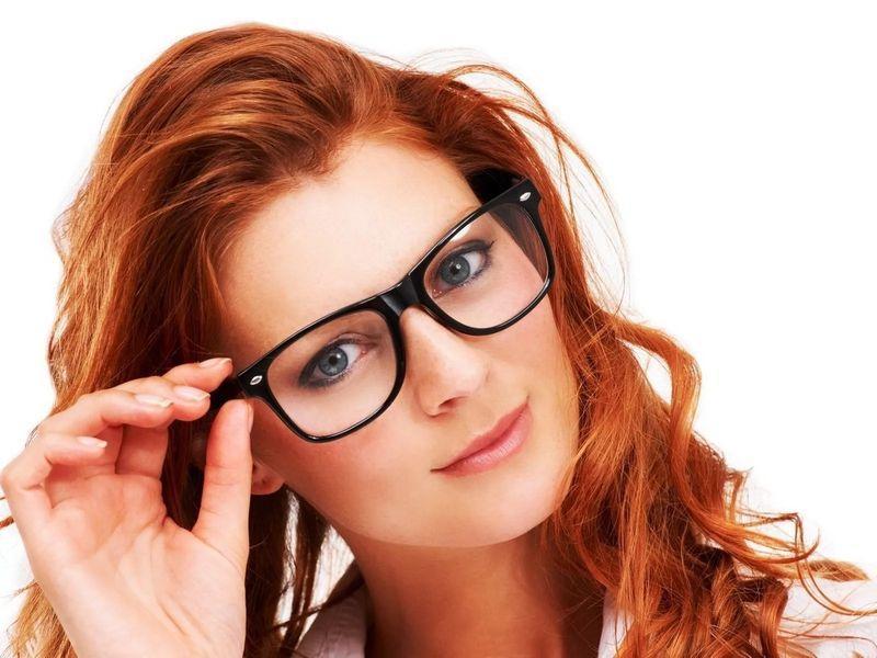 Не рекомендуется применять с контактными линзами