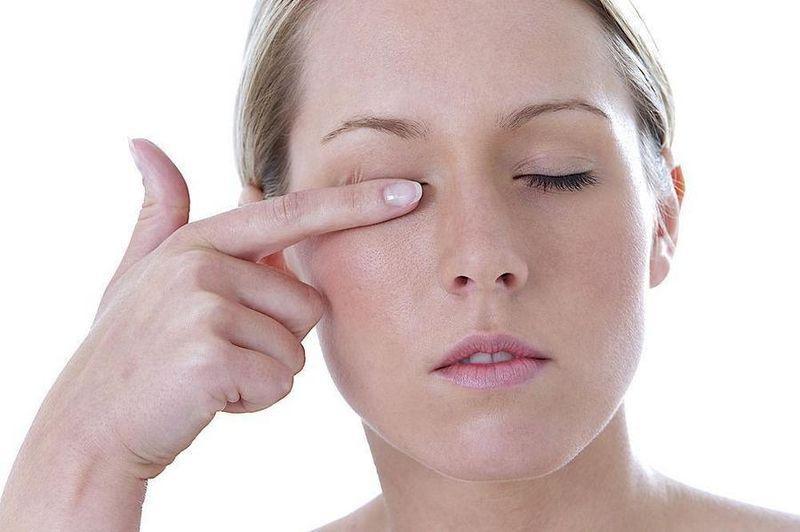 Совместим ли гель с контактными линзами